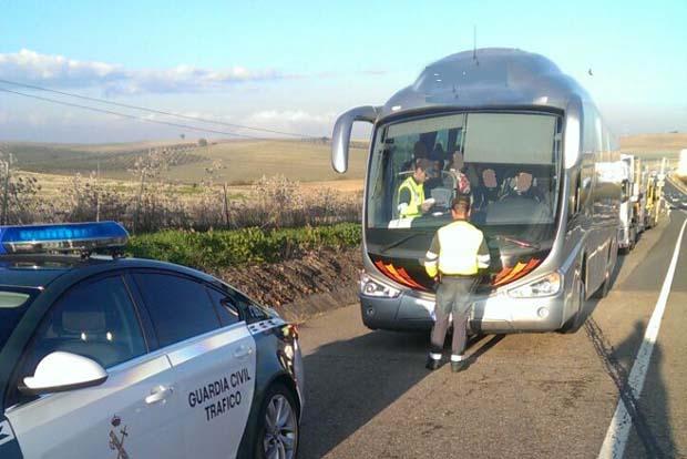 Un conductor de autobús con 40 viajeros sextuplica la tasa de alcohol en una línea regular entre Madrid y Murcia