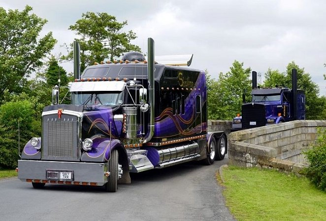 Get-A-Look-At-This-Perfectly-Customized-Kenworth-W900L-Semi-Truck_mini