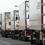 """Llega el """"tren de carretera"""": Reino Unido probará los convoyes de camiones sin conductor"""