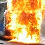 Un aparatoso incendio en un autobús de la EMT de Madrid obliga a evacuar a sus pasajeros