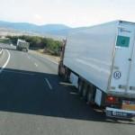 Un camionero encierra a dos ladrones en el remolque de su camión