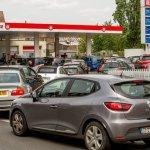 AHORA, CENSURADO EN PRENSA. Triunfa la huelga obrera! Francia amanece sin gasolina por la presión social