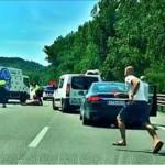 Vídeo!! Espectacular pelea y  posterior detención de los mossos en medio de la AP-7 en Sant Celoni