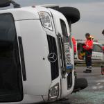 Seis niños y el conductor de un minibús heridos tras un colisionar con un turismo en Vitoria