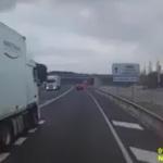 VIDEO | Grave imprudencia de un camionero en la N-340, en el Perelló