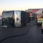 21 niños heridos en Madrid al volcar un autobús conducido por un hombre drogado