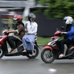 Mujeres Moto Arrestadas 150x150