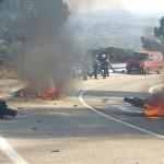 Brutal accidente entre un grupo de moteros: un herido grave y motos ardiendo en la sierra de Madrid