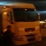 Consecuencias de la huelga encubierta de los estibadores las pagan los transportistas – Vídeo