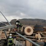 Un aparatoso accidente de un camión en la A-3, sin heridos