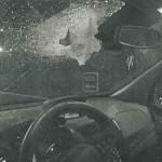 Un conductor herido grave con un pedrusco lanzado por un menor desde un puente de Badalona