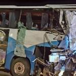 Un muerto y diez heridos, al colisionar un camión y un autobús en Puerto Lumbreras
