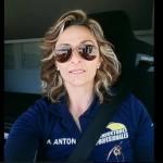 Adriana Anton: Si  tengo la oportunidad de pilotar un avión, lo haré sin pensarlo