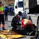 Herido al caerle encima la cabina de un camión y quedar atrapado