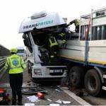 Brutal colisión entre 4 camiones en la A-4 Italia