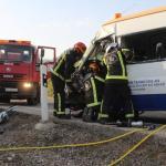 Los ángeles también sufren: Una ambulancia colisiona con un tráiler en la N-432