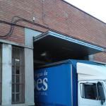 Tres detenidos en Sant Adrià de Besòs por robar un camión de distribución de bebidas