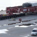 Un camión gigante recorre las carreteras de Guipúzcoa