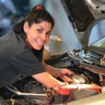 La historia de la única mecánica de coches que hay en Córdoba – Vídeo