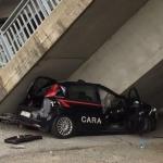 Cae un viaducto sobre un control policial en Italia