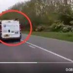 Despiden al conductor de la furgoneta por lo que hace en este vídeo a un ciclista