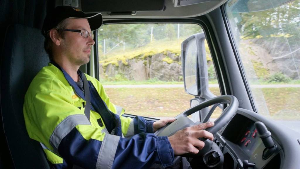 Flomatrans necesita 24 conductores de camión articulado