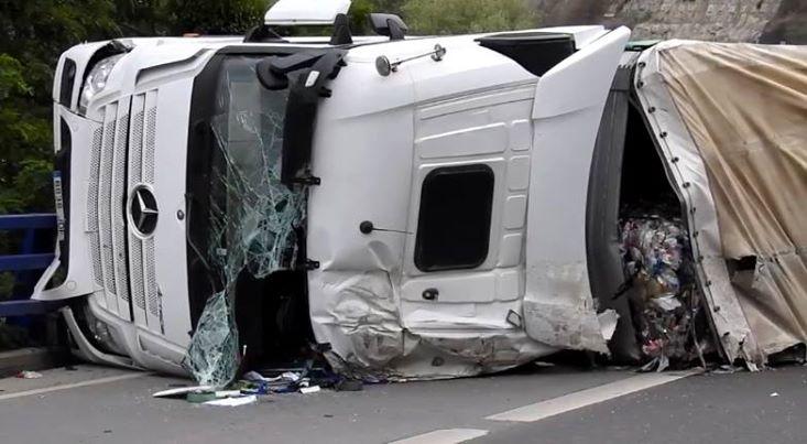 Los camioneros defienden que «también somos víctimas de la N-340, no verdugos»