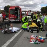 Herido grave un operario de autopistas al ser atropellado por un camionero que se había mareado