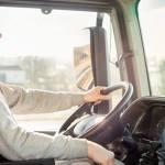 La junta de Andalucía ofrece 6 puestos de  conductor tráiler  1200€ + incentivos