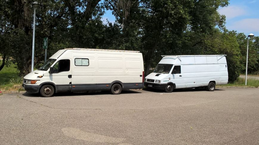 Multa de 2700€ por 14 tn de sobrecarga en 2 furgonetas destino el Magreb