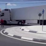 Más control al paso de camiones por la rotonda de la polémica