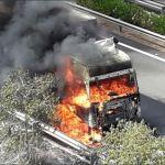 Arde un camión en la C-32 a la altura de Cunit