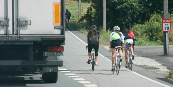 ciclistas en paralelo