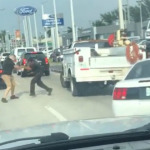 Pelea con puños y bate entre conductores se hace viral