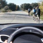 Conductor, haces esto mal con los ciclistas (y no lo sabes)