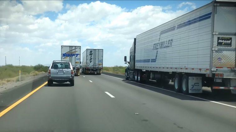 ¿Piensas que un camión adelantando a otro es lo peor de lo peor? No has visto lo que ocurre aquí