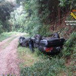 """Detenido un conductor tras un accidente en una """"quedada"""" para hacer trompos en Ponteareas"""