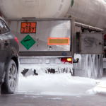 Un camionero sufre quemaduras graves  por la fuga de dióxido de carbono en la desaladora de Águilas