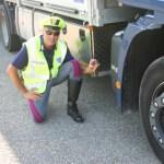 3500€ de multa y retirada del permiso a un camionero italiano cazado con el imán