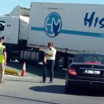 Descubren a un migrante en los bajos de un camión instantes antes de embarcar hacia Algeciras