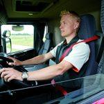 La edad mínima para conducir camiones desciende hasta los 18 años