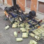 Susto en Siero: Vuelco de un camión de butano