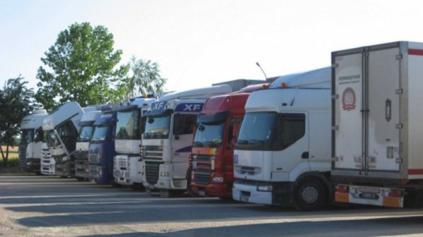 Seis conductores ruta  internacional en Roquetas de Mar