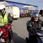 101 años… ¡y en moto! (vídeo)