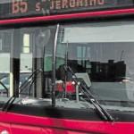 Te quitas o te empotro el autobús: No tienes huevos cornudo
