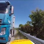 Suerte extrema: ir demasiado rápido para frenar y no comerse un camión por milímetros