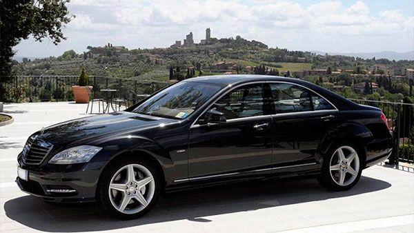 El Gobierno busca 76 chóferes carné B con sueldo de 1417€ para sus coches oficiales