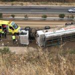 Herido grave un conductor después de volcar el camión en el que viajaba en la A-66
