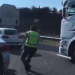 Vídeo: Espectacular persecución con 16 disparos de la Guardia Civil a unos atracadores en la A-62