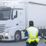 Tráfico informará a conductores de camiones y furgonetas de la nueva norma sobre cómo amarrar las cargas